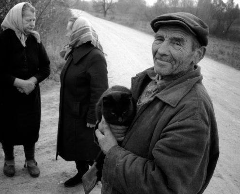 """31. martā plkst. 17.00 Latgales priekšpilsētas mūzikas un mākslas skolā (Prūšu iela 13a) atklās fotogrāfa Ilmāra Znotiņa foto izstādi """"Latgales ļaudis"""""""