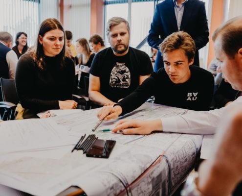 Darba grupās diskutē par Rail Baltica dzelzceļa līnijas integrāciju Rīgas pilsētvidē posmā no Mazās Nometņu ielas līdz Zolitūdes ielai