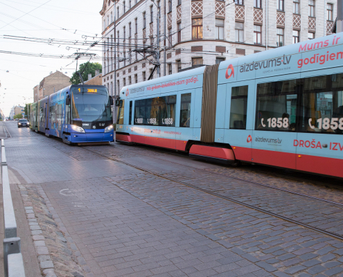 Kr. Barona iela, tramvajs