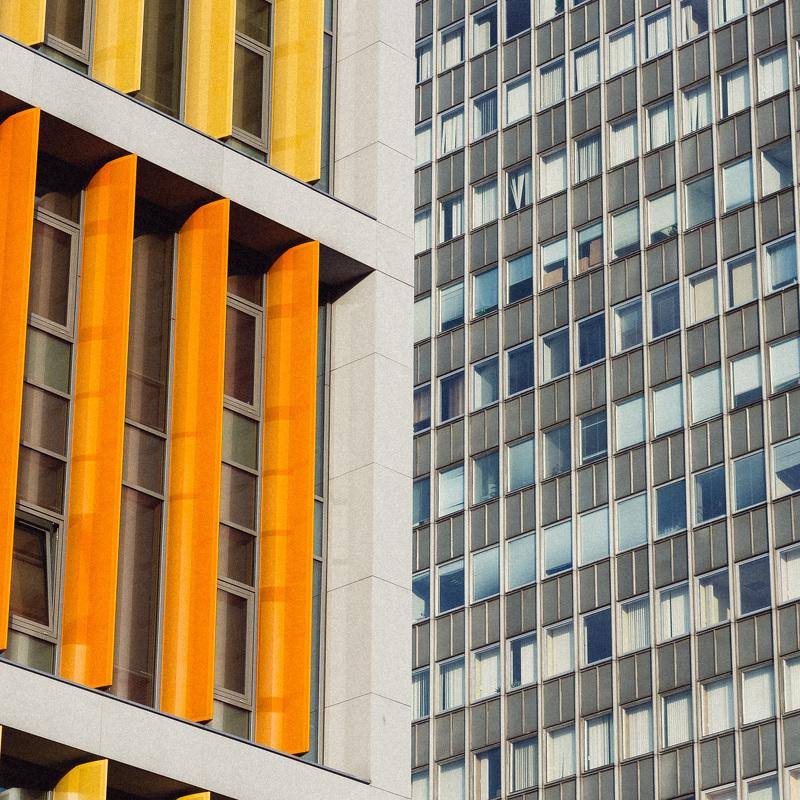 Rīgā daudzstāvu ēkas